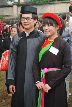 Thiếu nữ, Kinh Bắc, Hội Lim