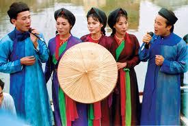 Hát Quan Họ bắt nguồn từ những lối hát đối đáp nam nữ có từ rất lâu đời.