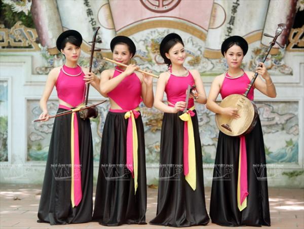 Học viên của Trung tâm trình diễn hòa tấu nhạc cụ dân tộc.